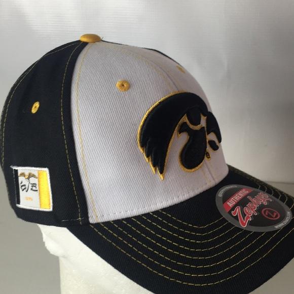 buy online 07702 54226 Iowa Hawkeyes Hat SnapBack Big Logo State Flag